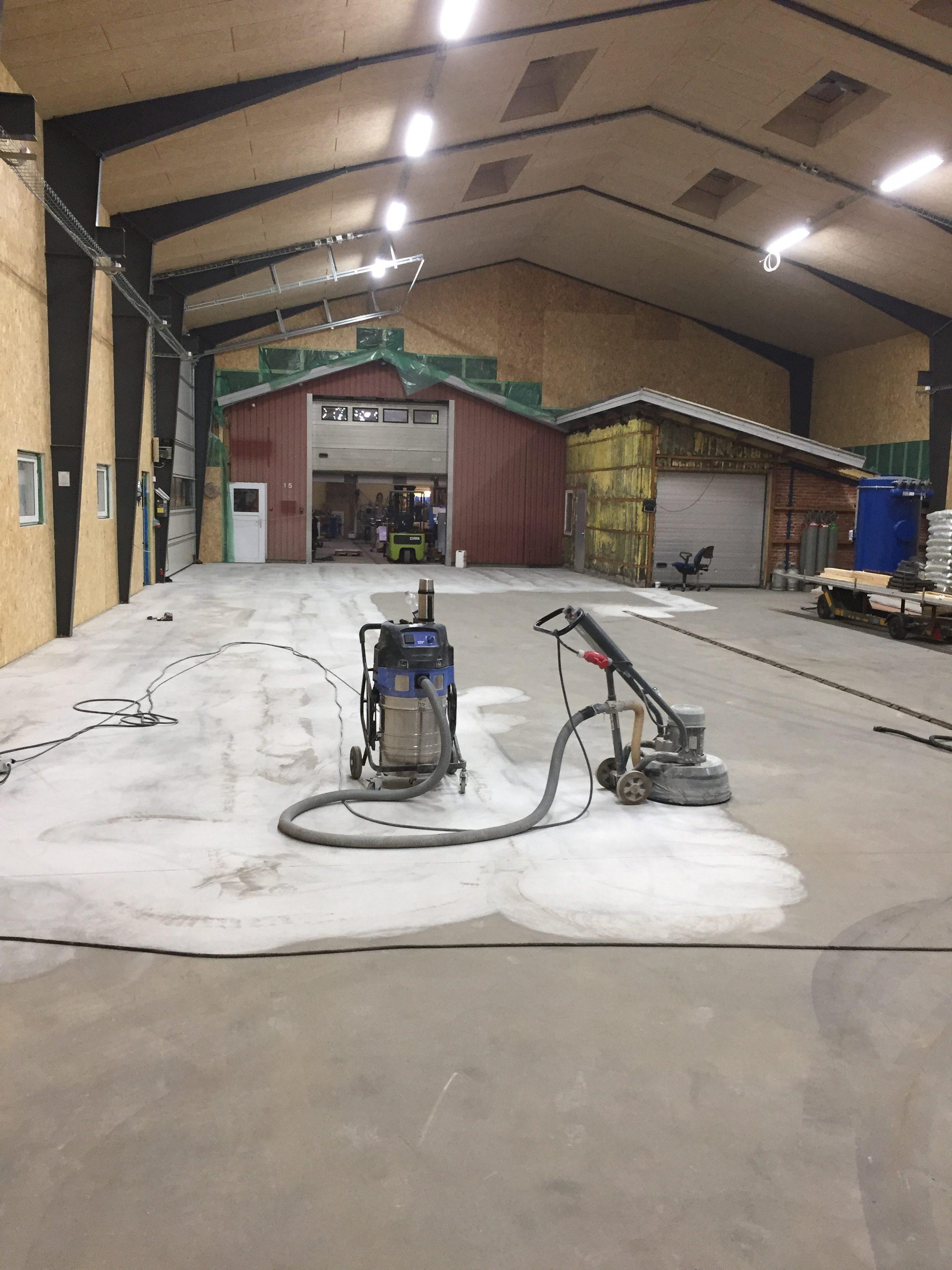 reparation af betongulv i garage